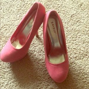 Suede pink pumps by Bamboo